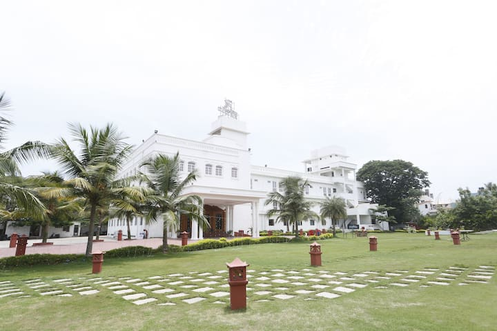 Heritage Rooms, 2km from Pondicherry Beach