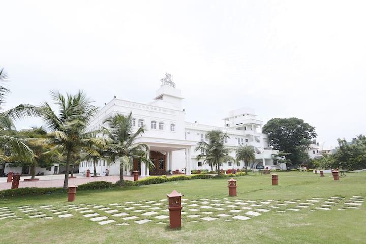 Heritage Rooms, 2km from Pondicherry Beach