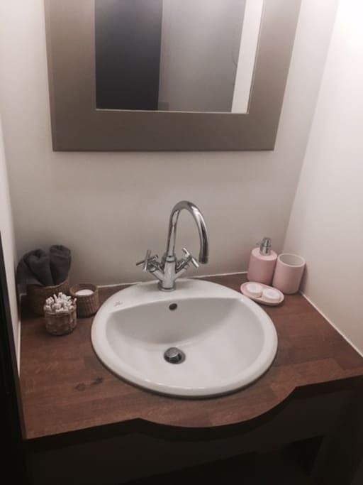 chambre cocoon enti rement r nov e bruxelles sud maison d 39 h tes louer watermael. Black Bedroom Furniture Sets. Home Design Ideas