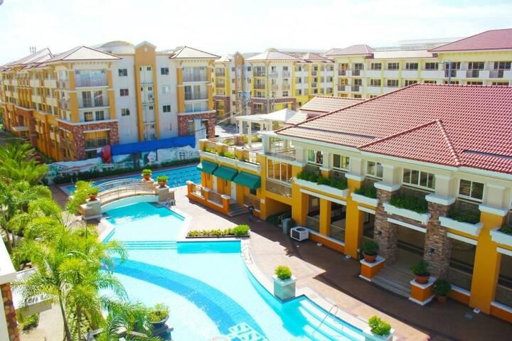 Cosy 2 bedroom condo in a resort.