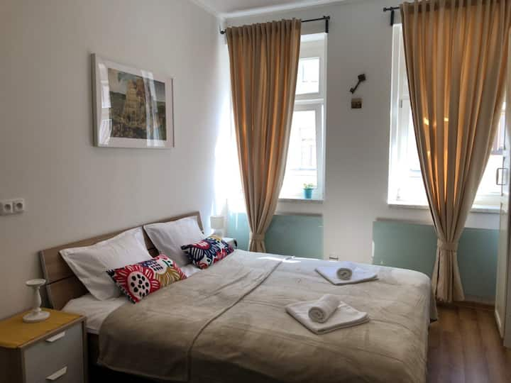 Bright apartment , 7 minutes to the center