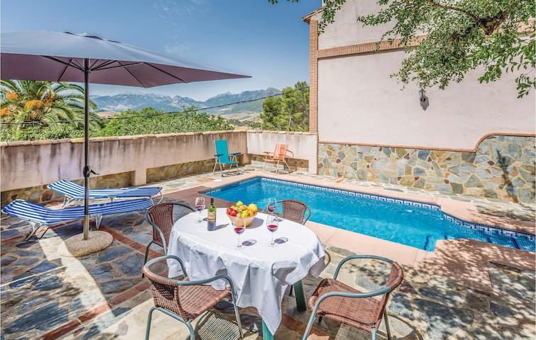 Holiday cottage with 2 bedrooms on 75 m² in Montecorto, Málaga