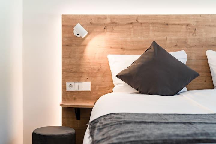Coucou Hotel, (Titisee-Neustadt), Doppelzimmer S mit Dusche und WC