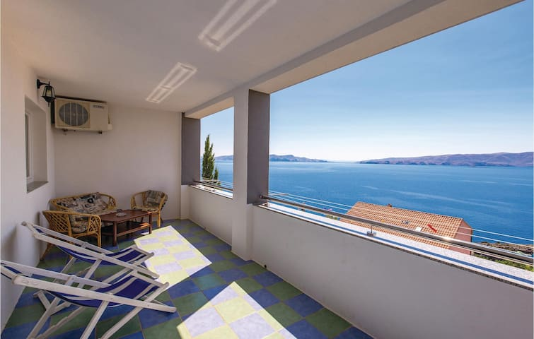 Holiday apartment with 1 bedroom on 49m² in Senj