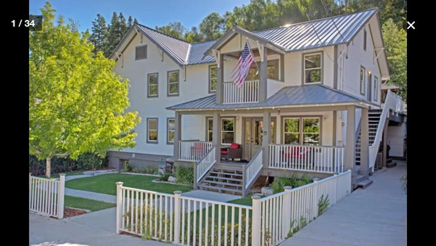 6Bed/5Bath Home: 4+ Cars and Steps from Main St. - Park City - Casa