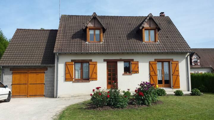 Chailles  maison style rustique à 7 km de Blois