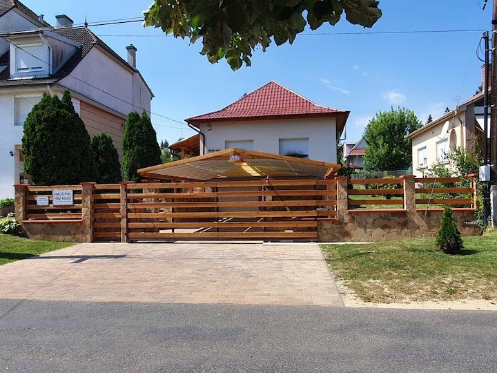 Kéknefelejcs Vendégház 8749. Zalakaros Hársfa u.2.