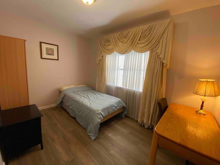 Cozy room J