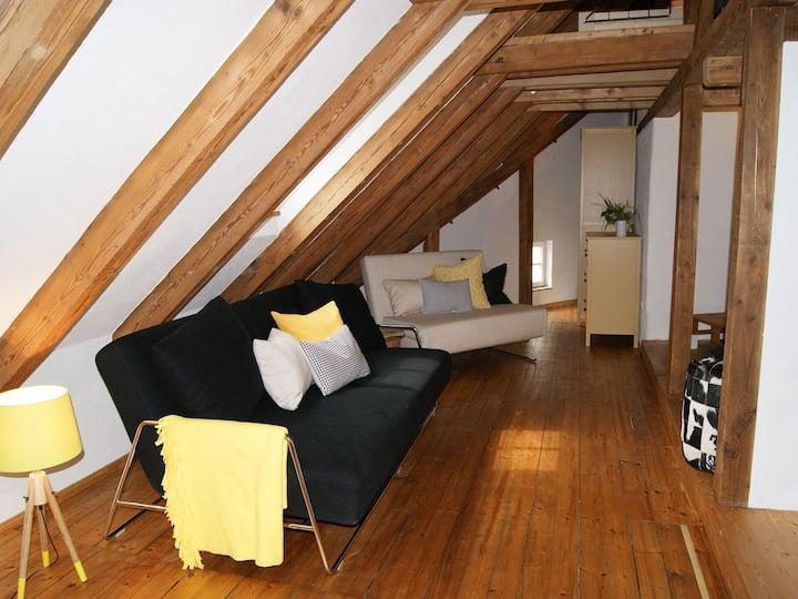 Altstadt-Apartment am Hexenviertel, (Landsberg am Lech), Maisonette-Ferienwohnung 65qm, 1 Wohn-/Schlafbereich, max. 4 Personen