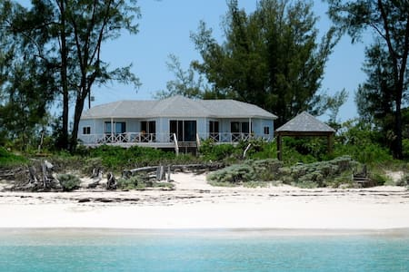 Beautiful Beachhouse, Great Harbour Cay. Bahamas