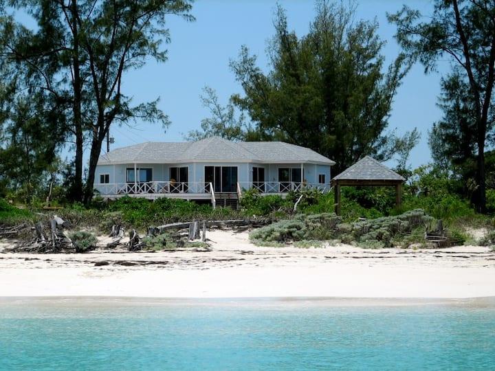 Beautiful Beachhouse, Great Harbour Cay. Bahamas