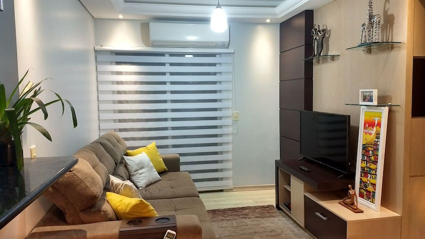 Quarto solteiro e home office integrado Joinville