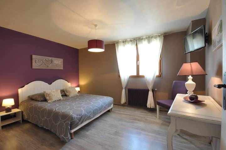 Peaceful bedroom DisneyLand Paris