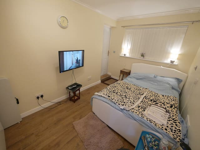 Luxurious En-Suite Accommodation - Radcliffe - Haus