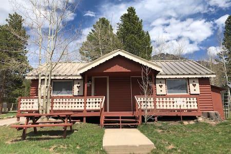 302: Bear Run: PRIVATE ENTRANCE Duplex Cabin