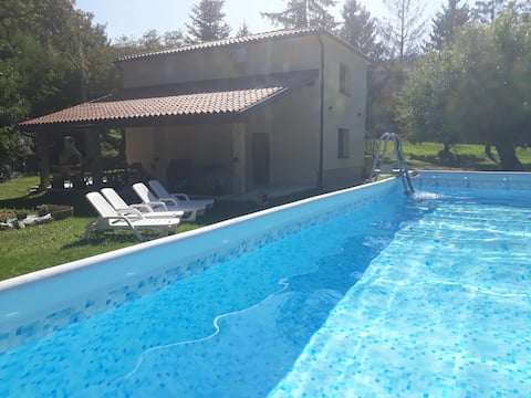 Holiday house Nono, outdoor jacuzzi, swimming pool