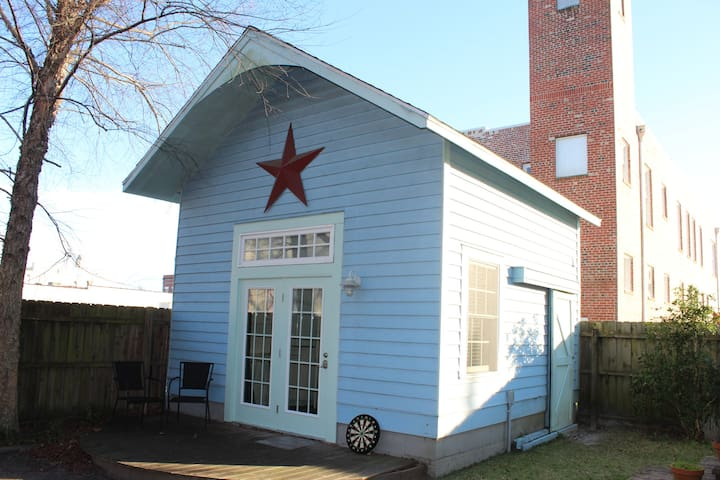 Tiny House in Downtown New Bern - New Bern - Byt