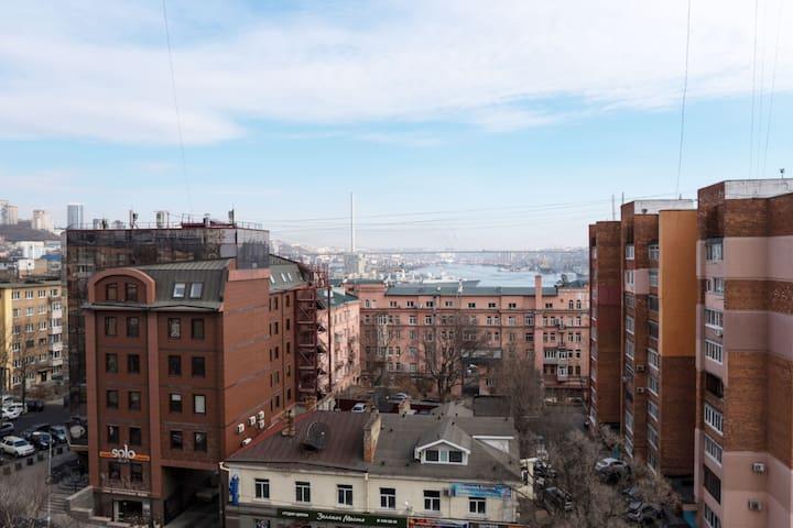 시베리아 횡단열차 출발역 근처 블라디보스톡 시내/1퀸사이즈 침대 + 2층침대 4인실