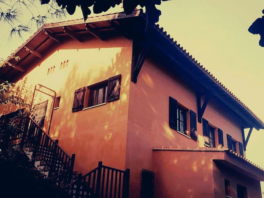 Escaleras de entrada a la casa