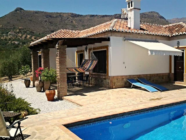 rural retreat, villa for rent - Alcaucín