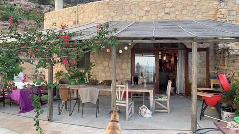 Privatzimmer in einem kretischen Haus mit Pool und Meerblick