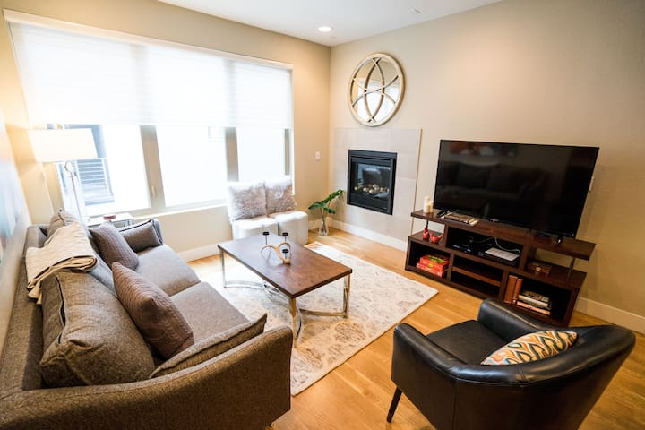 Classic City Condo | Views from Golden Triangle