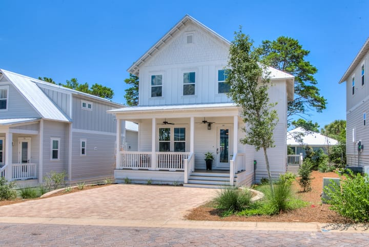 Spring Sale! Highway 30A NEW Loaded Beach Home!