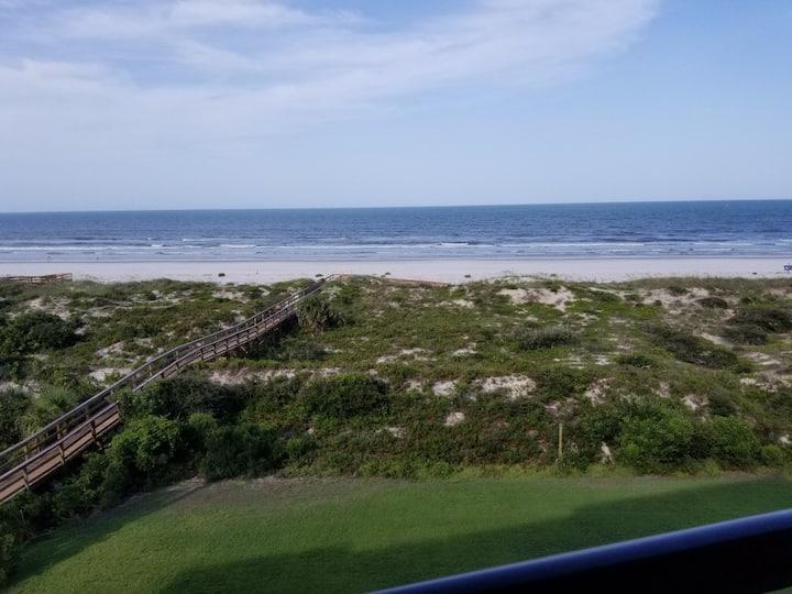 Direct Oceanfront Top Floor 2/2 Beach Condo