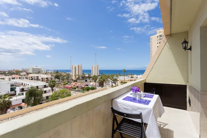New ocean view apartment 300m from beach