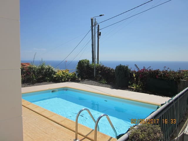 Calheta - 3 bedr. 3 bathr. private pool, sea views