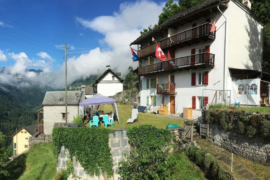 Casa rina chambres d 39 h tes louer onsernone tessin for Chambre d hote suisse