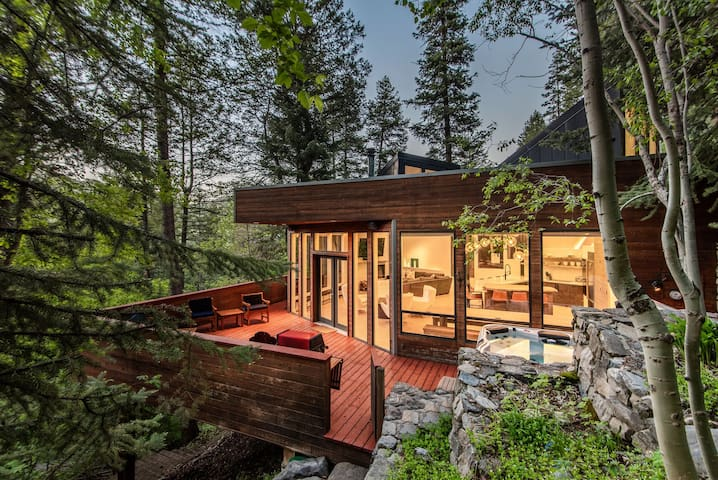 Modern Treehouse - Nestled in the Forest, Hot Tub, Fireplace, Game Room