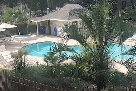 3 Queen Beds/2 Bath/WIFI/Hot Tub! - Little River - Apartamento