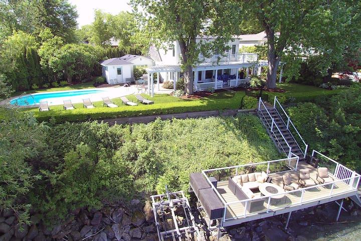 Niagara on the Lake - Waterfront Lake House