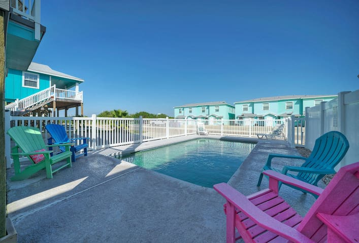 Private POOL!  BOURBON BREEZE-Near Beach - 4BR/3BA