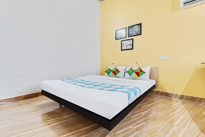 OYO - Economical Home Studio near Calangute Beach(2.2 km)