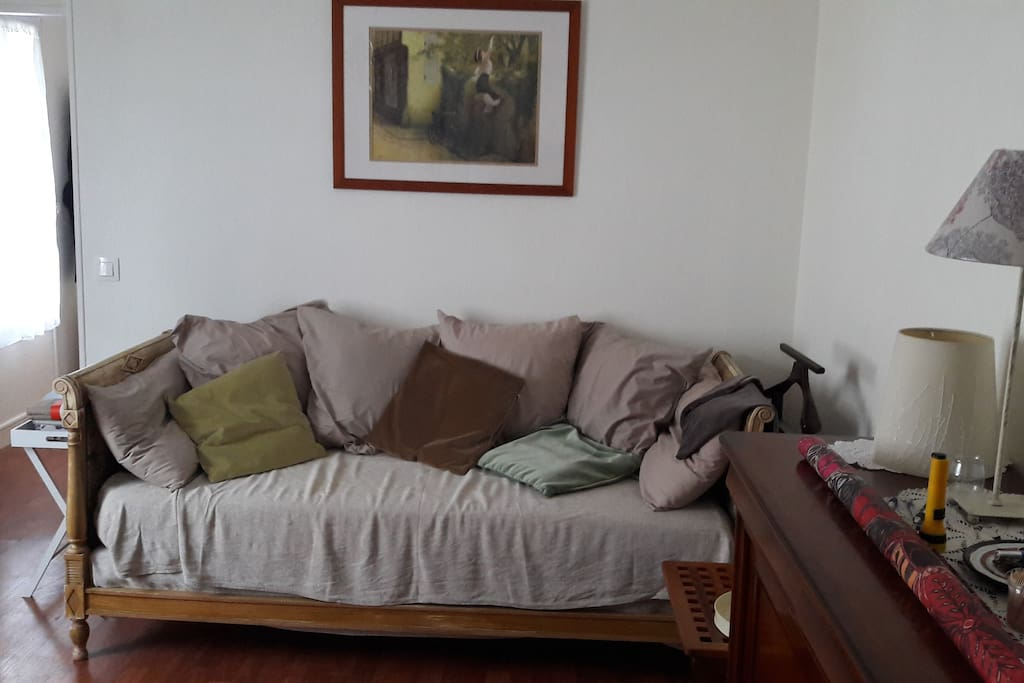 Divan avec utilisation possible en lit d'appoint