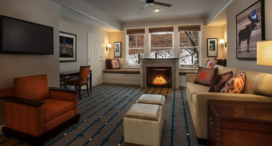 Park City, Main St. Luxury Condo LAST MINUTE DEAL!