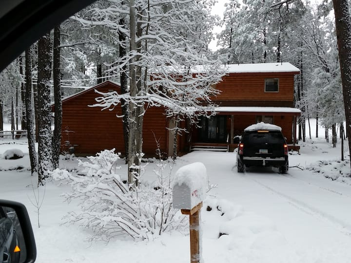PINETOP COUNTRY CLUB RETREAT