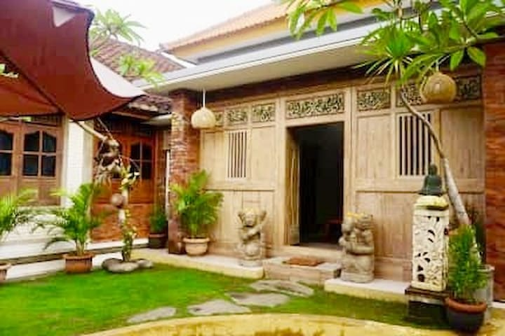 Comfortable house for two in Batuan