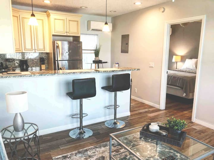 1/1 Private Apartment Along A1A And Beaches!