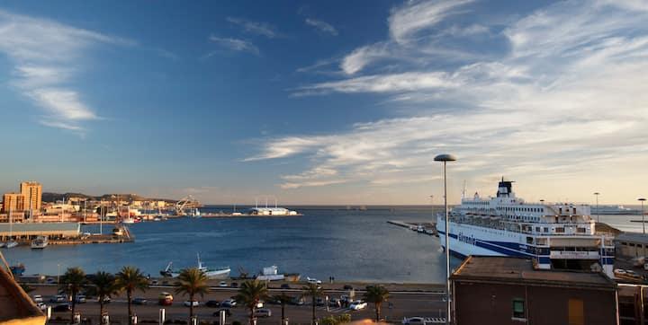Aurora - Stanza privata nel centro di Cagliari