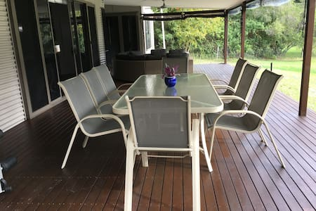 A fabulous holiday retreat, something for everyone - Burringbar