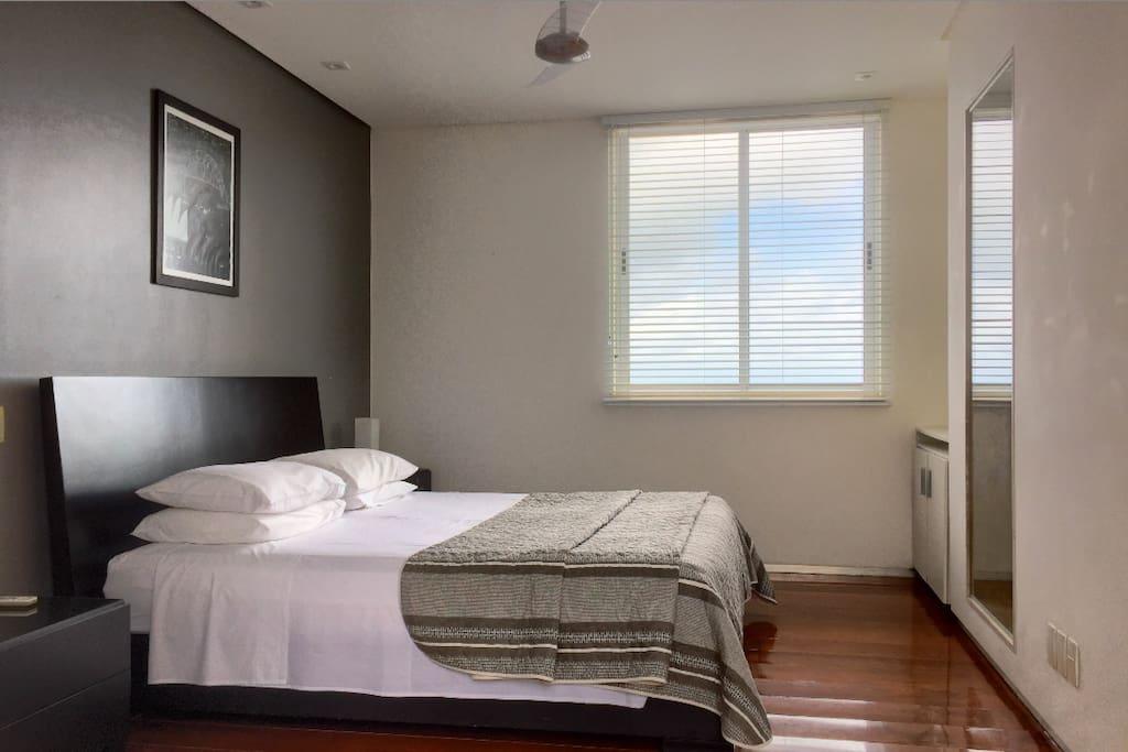 Master bedroom and en-suite bathroom