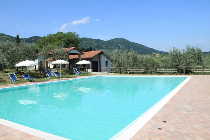 Cosy Farmhouse with Whirlpool, Pool, Barbecue, Garden