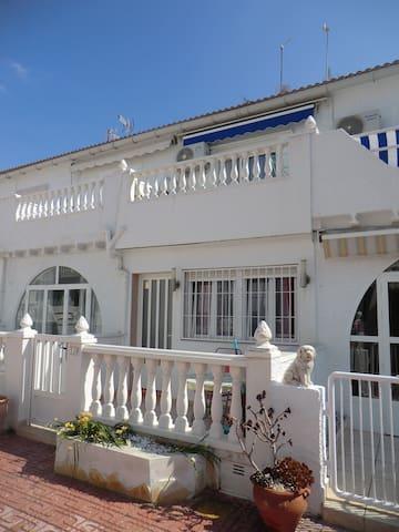 Bungalow Torrelamata 400 m de la playa - Torrevieja - Huis