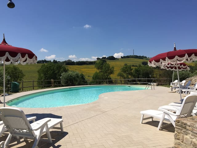 NUOVO APPARTAMENTO CON PISCINA IN COUNTRY HOUSE