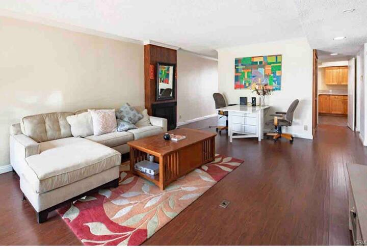 Newly Remodeled 2 Master Bedrooms +1 office House