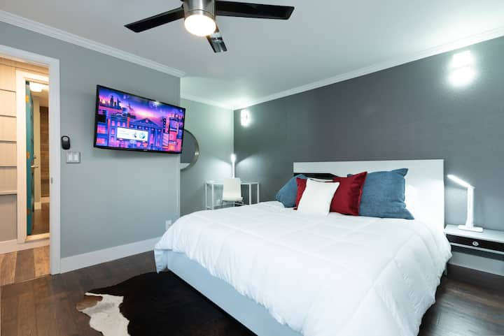 Clean remodeled private suite w/ separate entrance