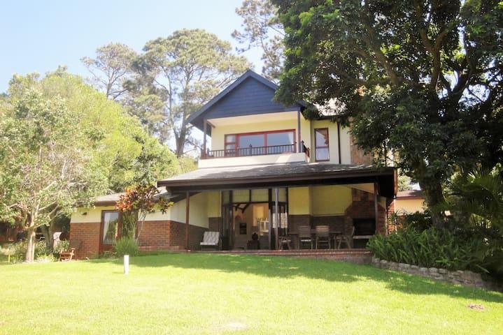 Magnificent villa in Selborne Golf Estate - Pennington